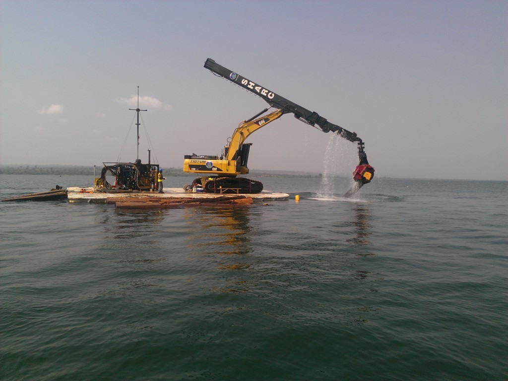 dedeso holdings incorporated barge lifiting